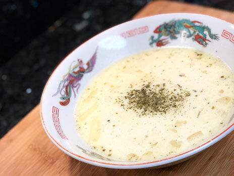 cauliflower and roasted garlic soup